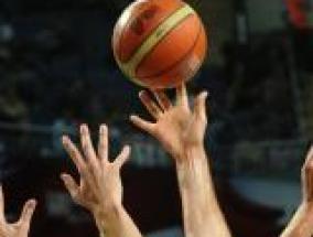 pallone da basket in volo