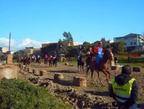 cavalli durante la pentolaccia presso il rio Matzeu di Sestu